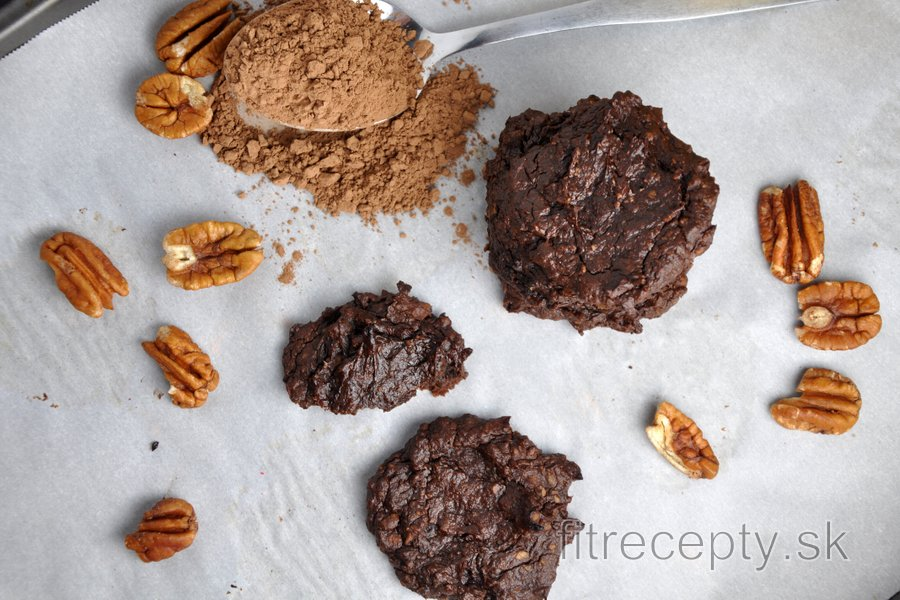 Avokádovo-kakaové cookies bez múky