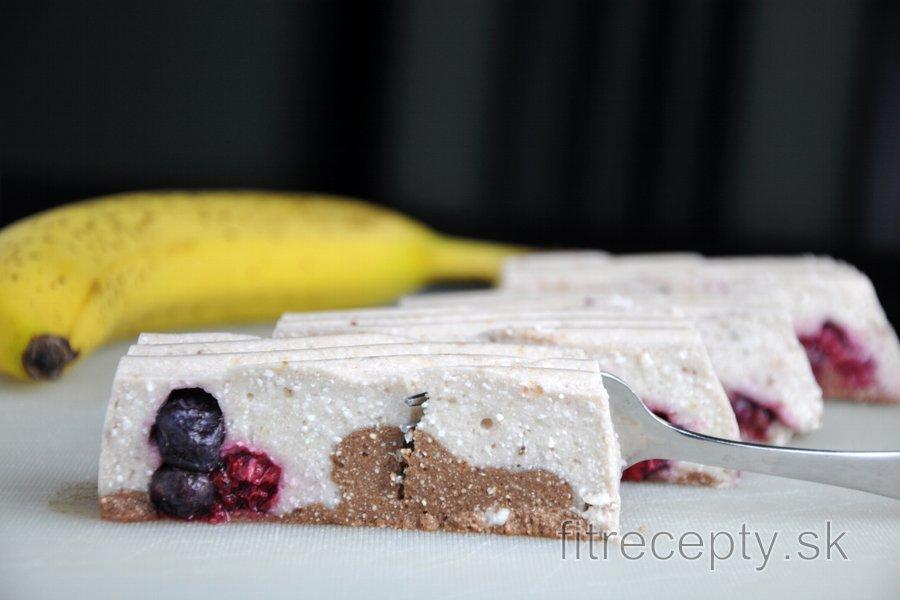 Nepečený banánovo-tvarohový dezert