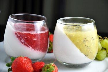 Kokosové želé poháre s ovocím