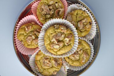 Zdravé avokádové muffiny z cícerovej alebo ovsenej múky