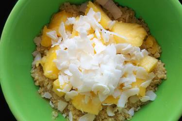 Exotická kokosovo-ananásová quinoa