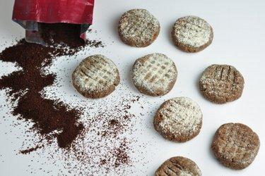 Nepečené kávové cookies bez múky a cukru