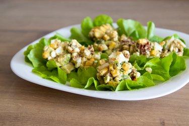 Výborný fit avokádovo vajíčkový šalát