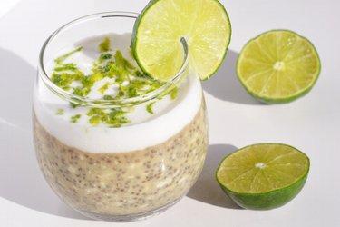 Limetkovo kokosové chia poháre