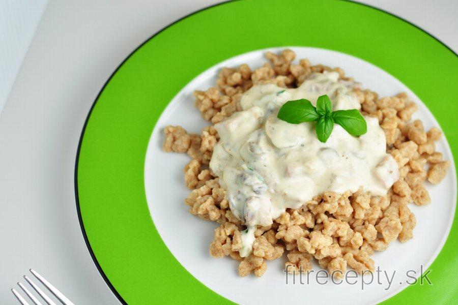 Pohánkové halušky s jogurtovo-šampiňónovou omáčkou