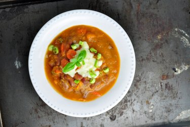 Hustá fazuľová polievka so sladkými zemiakmi