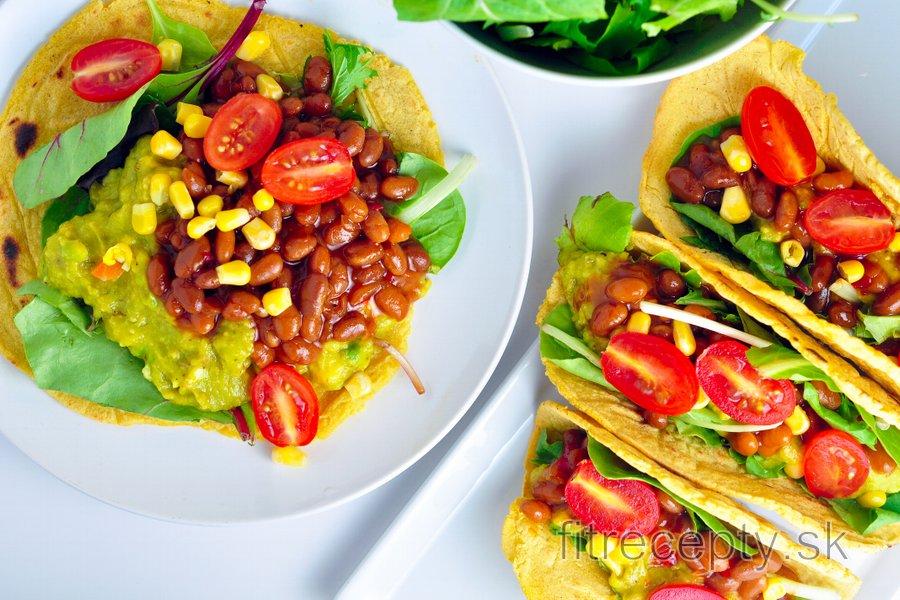 Kukuričné tortilly plnené avokádom a fazuľou