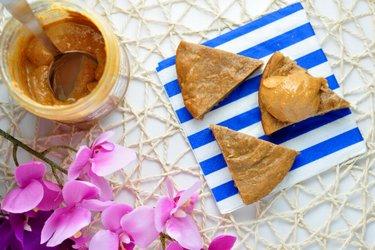 Arašidovo-proteínový koláč z 3 ingrediencií