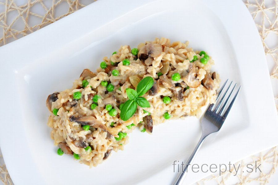 Hubovo-cesnaková ryža s hráškom