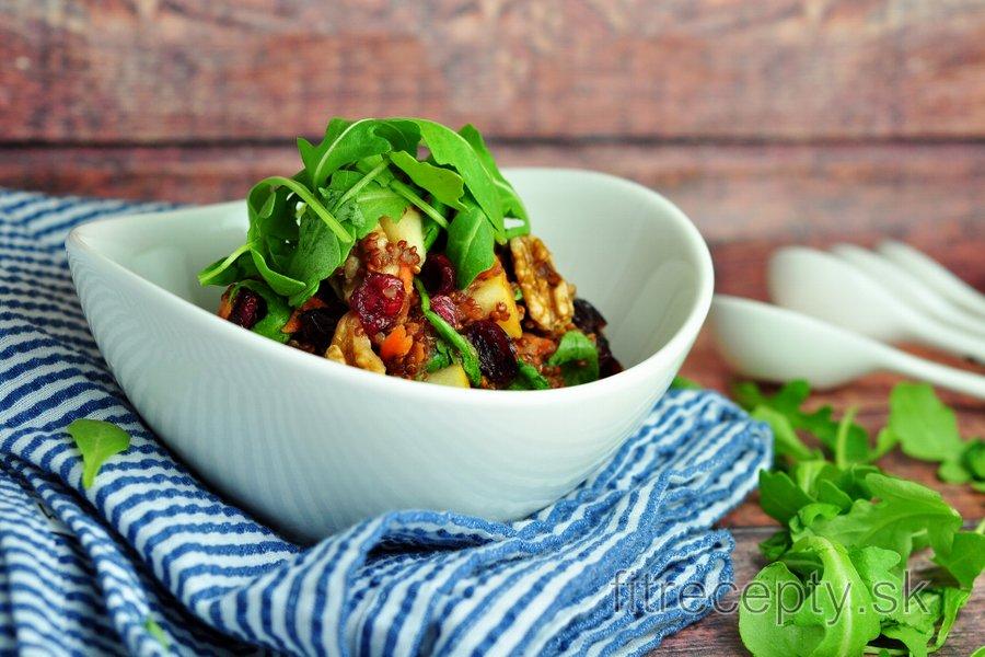 Quinoovo-jablkový šalát s rukolou