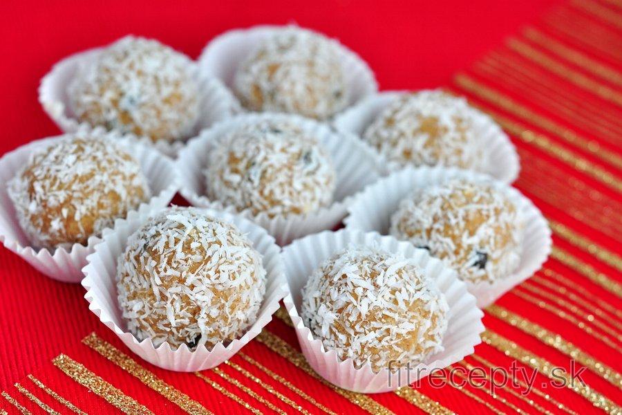 Proteínovo-kokosové guľky