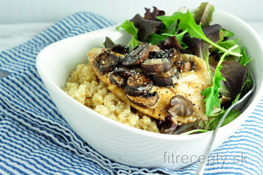 Pečená tilapia s hubami a quinoou