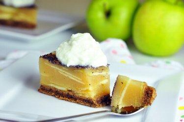 Jablkový želé koláč