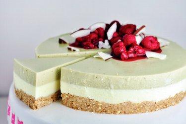 Perfektný nepečený fit matcha cheesecake (zo zeleného čaju)