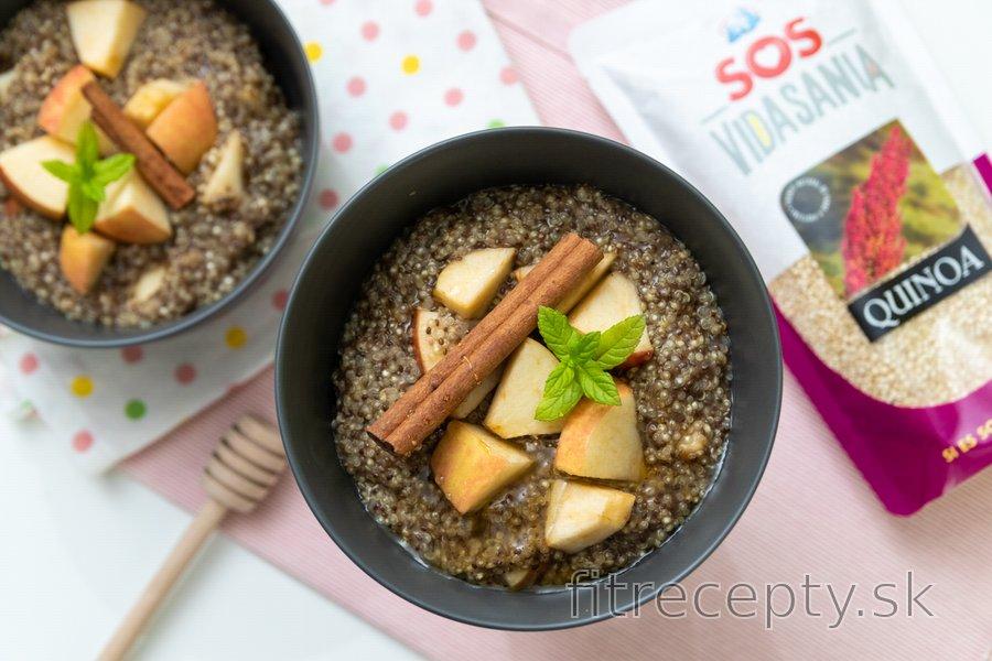 Quinoová kaša s chia semienkami a jablkom