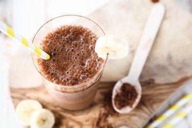 Zdravý čokoládovo-arašidový shake