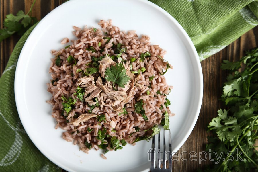 Petržlenovo-limetková ryža s tuniakom