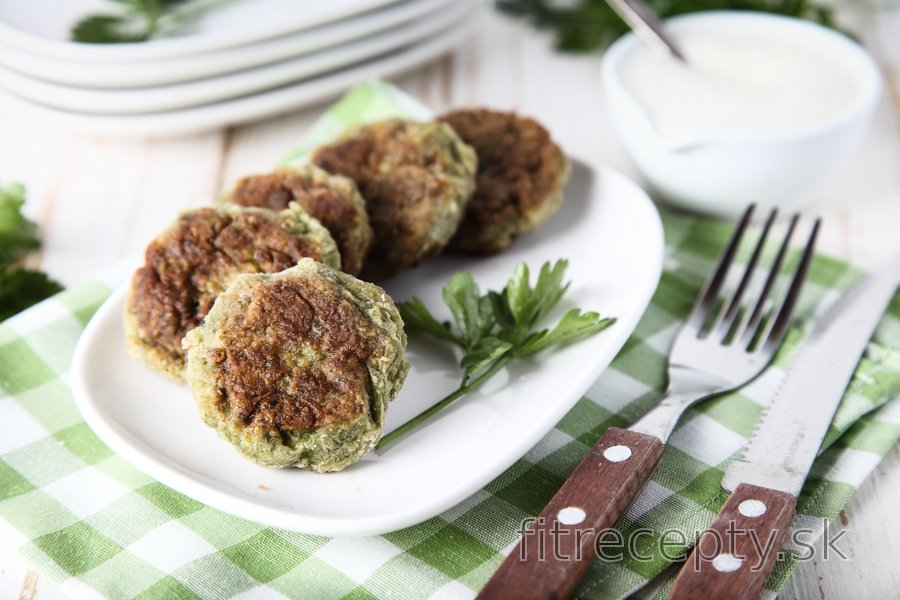 Fit brokolicové fašírky s jogurtovou omáčkou