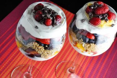 Zdravý raňajkový parfait s quinoou