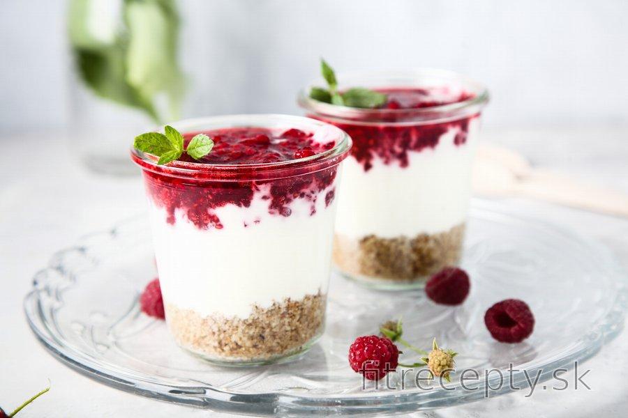 Fit malinový cheesecake v pohári