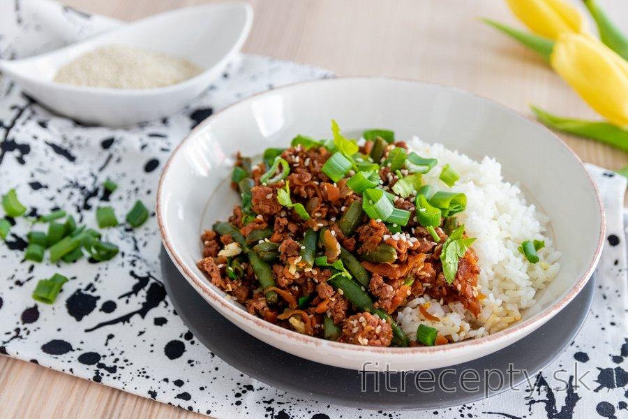 Ázijské morčacie mäso so zelenými fazuľkami