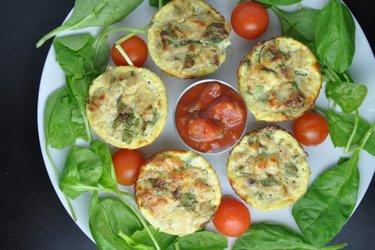 Zdravé vajíčkové muffiny s tuniakom