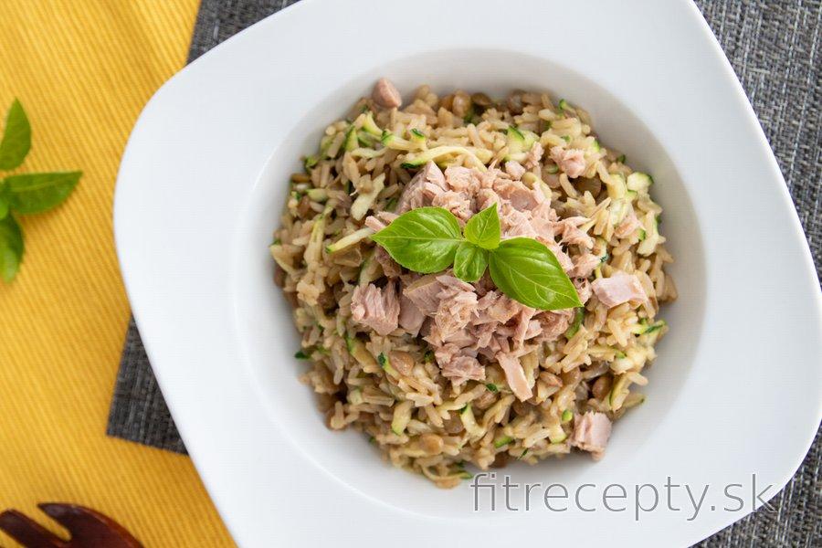 Šošovicové rizoto s cuketou a tuniakom
