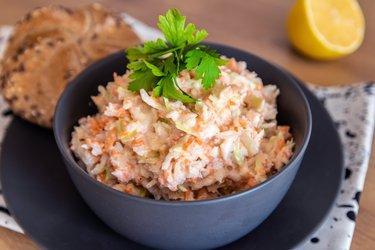 Odľahčený, zdravý coleslaw šalát