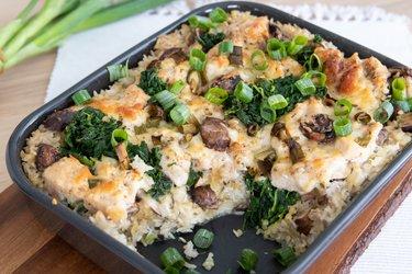Zapečené kuracie mäso so špenátom, ryžou a syrom