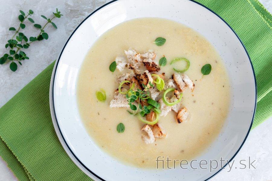 Krémová cesnaková polievka - fit cesnačka