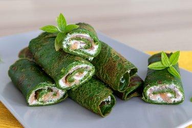 Fit špenátové palacinky s tvarohom a údeným lososom