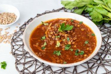 Šošovicová polievka s kapustou