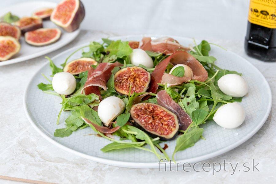Figový šalát s mozzarellou a pršutom