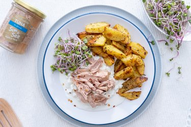 Pikantné zemiaky s cottage cheese a tuniakom