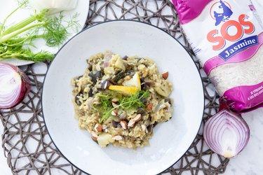 Rýchly pilaf s baklažánom, feniklom, kurkumou a jazmínovou ryžou