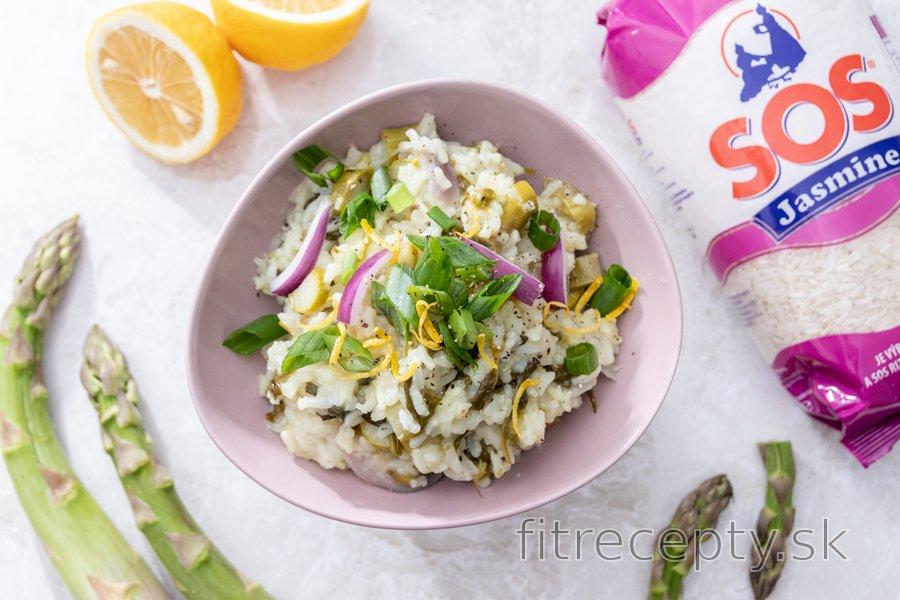Špargľové rizoto s citrónom a medvedím cesnakom