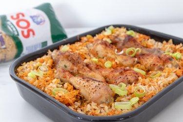 Lenivé pečené kuracie stehná s ryžou (z jednej formy)