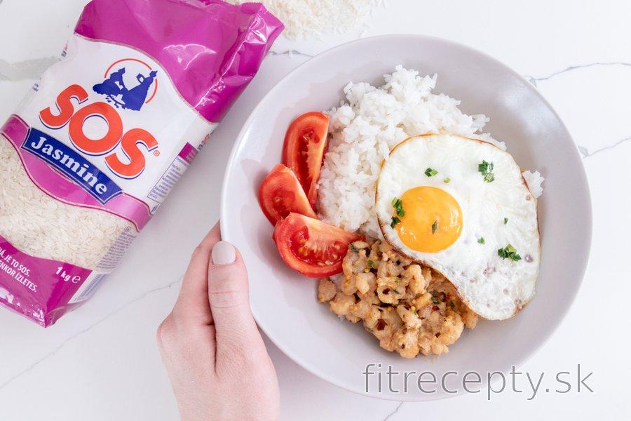 Rýchla miska s krevetami, ryžou a vajíčkom
