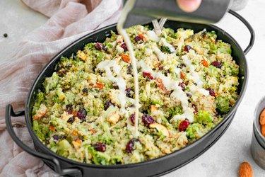 Jednoduchý šalát z quinoy a brokolice